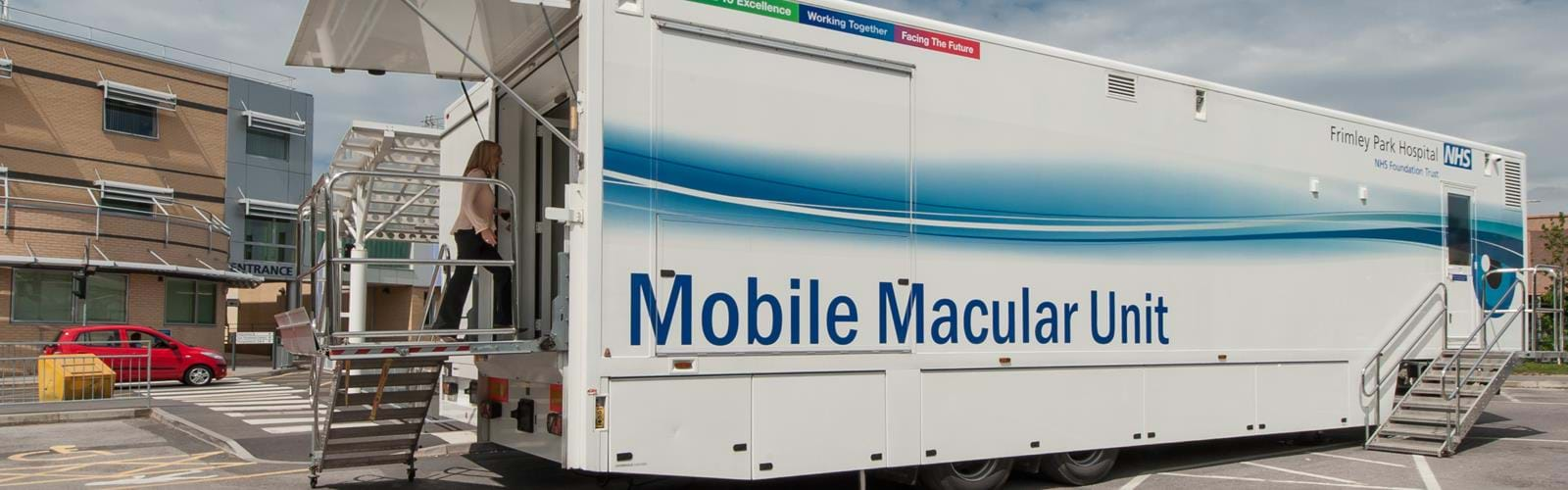 Mobile Ophthalmology Unit Frimley Park Hospital (5)