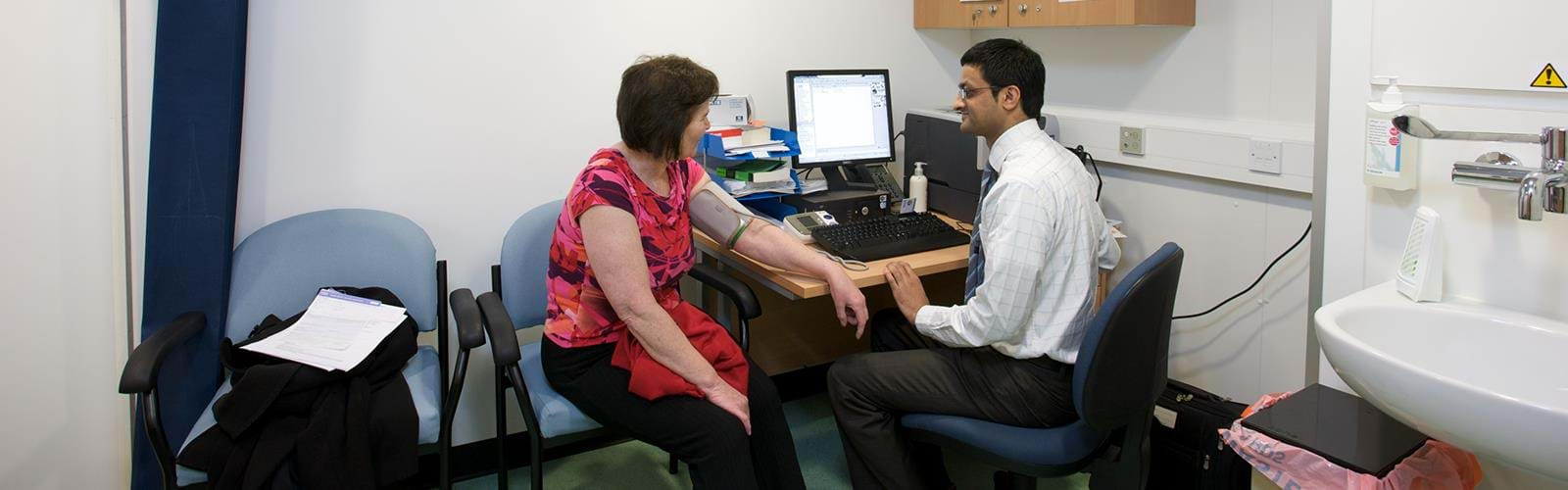 Mobile Healthcare Clinic Care UK (9)